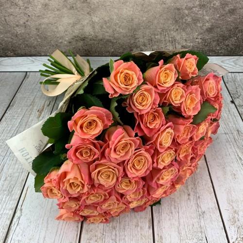 Букет из 51 лососевой розы
