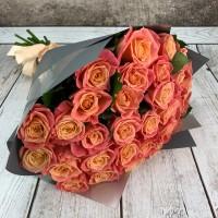 Букет из 31 лососевой розы
